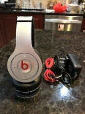 Beats by Dr. Dre Solo Wireless Headband Headphones - Silver - Good Condition