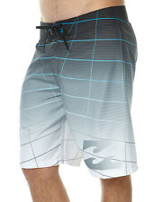 Billabong Fluid 21 Board Shorts - Boardies. Size 32. NWOT, RRP $69.99.