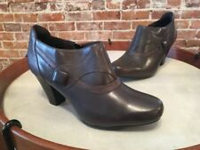 Clarks Ruby Edge Charcoal Grey Leather Button Shootie Pump New