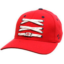 Montreal Canadiens Zephyr Skate Lacer Z-Fit Curved Bill Fitted Hat NHL Cap Red