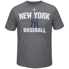 New York Yankees Majestic All In Effort T-Shirt - Gray - MLB