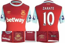 *15 / 16 - UMBRO ; WEST HAM UTD HOME SHIRT SS + PATCHES / ZARATE 10 = SIZE*