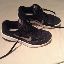 Nike run kids trainers/shoes size 3
