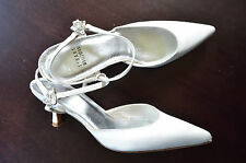 STUART WEITZMAN BRIDAL WHITE SATIN PUMP SHOES 5.5
