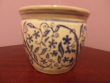 VINTAGE CHINESE POTTERY BLUE & WHITE SCROLLING FLOWERS & LEAVES DES PLANT POT