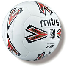 028571 SPORTS DEAL Mitre Max 26P Football - Size 4