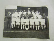 1964 LEEDS UNITED TEAM LINE-UP BLACK/WHITE PRESS PICTURE