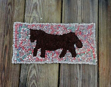 """SALE!!!!""    BEGINNER HORSE  Primitive Rug Hooking KIT WITH #8 CUT WOOL STRIPS"
