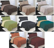 REVERSIBLE COVERLET AND 2 PILLOW SHAMS SET