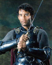 KING ARTHUR CLIVE OWEN HOLDING SWORD RARE PHOTO OR POSTER
