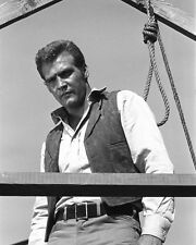 THE BIG VALLEY LEE MAJORS SWEATING IN FRONT OF HANGMAN'S NOOSE PHOTO OR POSTER