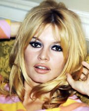 BRIGITTE BARDOT STUNNING COLOR PORTRAIT LOOKING VERY SEXY PHOTO OR POSTER