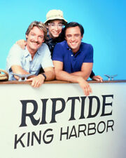 RIPTIDE PERRY KING JOE PENNY CAST COLOR PHOTO OR POSTER