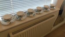 Set of 6 pretty china tea cups and saucers