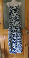 Ladies Papaya Holiday Beach Dress/Coverup Size Medium,  New with Tags