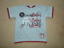 BOYS BLUE COTTON TOP / T-SHIRT - ENGLAND MOTIF - AGE 7 YEARS - SHORT SLEEVES