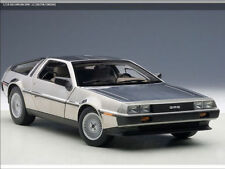 1:18 Autoart 1981 De Lorean DMC-12 Satin Finish    Limited Edition