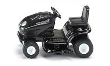 """SIKU 1:32 Scale No. 1312 Blister Carded MINIATURE LAWN TRACTOR - 2"""" (5cm) Long"""