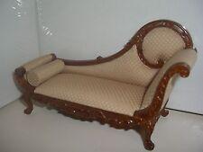Sofa, Recamiere; Chaiselongue Sofa, Couch, beige braun mit einem rundem Kissen