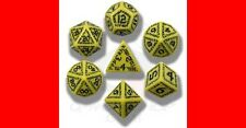Q-WORKSHOP RUNIC YELLOW W/ BLACK DICE SET DnD rpg