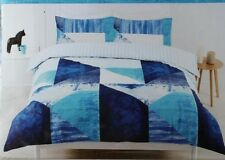 KING BLUE WATER QUILT COVER SET POLYESTER. SURF GEOMETRIC PRINT. REVERSIBLE