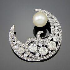 GORGEOUS VINTAGE INSPIRED PLATINUM  PLATED CRYSTAL & PEARL CLASSIC  MOON BROOCH