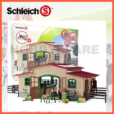 NEW SCHLEICH FARM LIFE HORSE STABLE with ACCESSORIES & 2 EXCLUSIVE HORSES 42103
