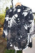 *NEU* schwarz-weiße Bluse (ungefütterter Blazer) * K-Gr. 21 ~ florale Muster ~