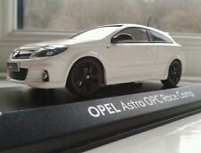 RARE MINICHAMPS 1/43 WHITE OPEL ASTRA OPC RACE CAMP LIMITED EDITION No 948/1000