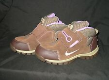 CHILDS NIKE BOOTS - NEW - SIZE UK 1.5