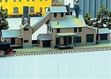 Spur N -- Bausatz Landwirtschaftliche Versorgungszentrale -- 682 NEU