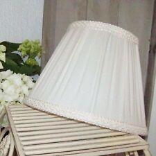 Lampenschirm Edel Elegant Stoff Textil Creme Borte Kandhaus Nostalgie Lampe