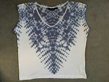 NEW LOOK BLUE & WHITE PATTERNED T.SHIRT WITH CAP SLEEVES - SIZE 10