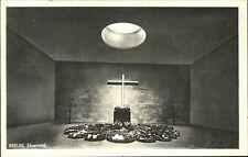 Berlin alte Postkarte AK 1944 Ehrenmal Kreuz Gedenkstätte Innenraum ungelaufen