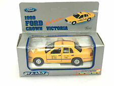 TAXI CAB FORD CROWN VICTORIA NEW YORK YELLOW WELLY DIECAST 1:43