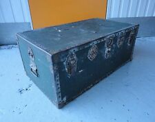 VERY NICE LARGE GREEN VINTAGE TRUNK / CHEST / COFFEE TABLE