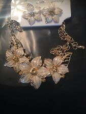 gold necklace and earrings set with 3white flower pendants all handmade new 2016