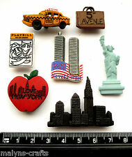 NEW YORK City Craft Novelty Buttons Plastic America USA Dress It Up Holidays