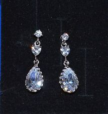 Lovely 18ct/18k White Gold Filled Drop Stud Earrings Made With Swarovski Crystal