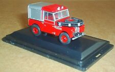 """OXFORD DIECAST LAND ROVER SERIES 1 88"""" FIRE VEHICLE 1:76 SCALE MODEL CAR RED"""