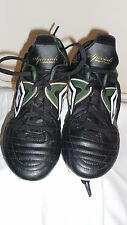 UMBRO SPECIAL CUP-J HG TRAINERS/FOOTBALLGOLD TRIM SHOES S39 BLACK/GREEN/WHITE,