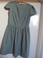 Green & Off White Circles Geo Print Dress in Size 10