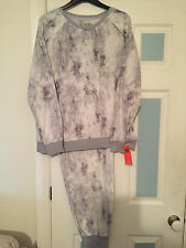 MARKS & SPENCER SIZE 18 FLEECE SNOWDRIFT PYJAMAS