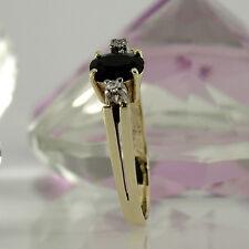Ring in 585/- Gelbgold  mit 1 Saphir ca 0,60ct + 2 kl. Diamanten
