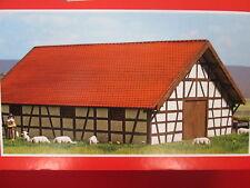 Busch 8782 Holz-Schafstall