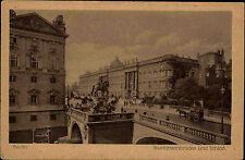 Berlin s/w AK ~1920/30 Kurfürsten Brücke und Schloss Kutsche Reiterstandbild