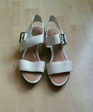 NEW CLARKS WHITE LEATHER WEDGE SANDAL SIZE 5