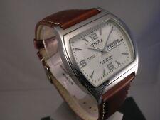 Timex    Ewiger Kalender      Beleuchtung      Neu      T2D481