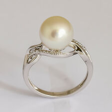 SOUTH SEA PEARL RING. 9.7mm CULTURED PEARL + DIAMONDS ON 14K WHITE GOLD. SIZE N.