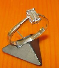 BEAUTIFUL SECONDHAD 18ct WHITE GOLD DIAMOND SET SOLITAIRE RING  SIZE K